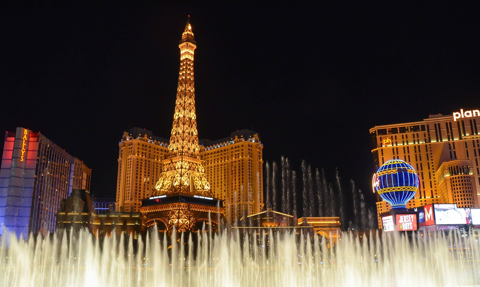 Mother Daughter Trips on A Budget Las Vegas