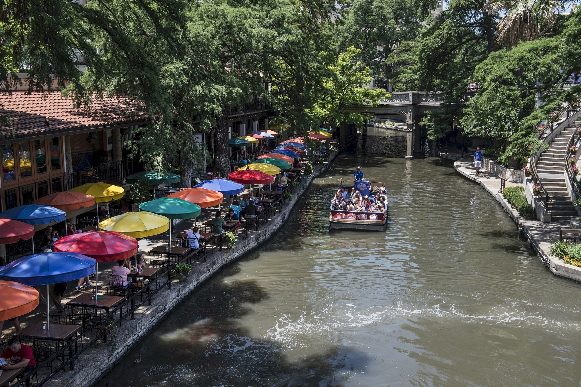 Mother Daughter Trips on a Budget San Antonio