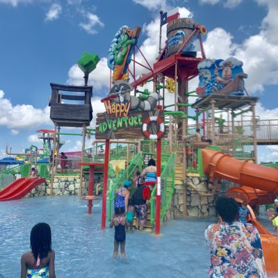 15 Sanity-Saving Mom-Approved Water Park Tips