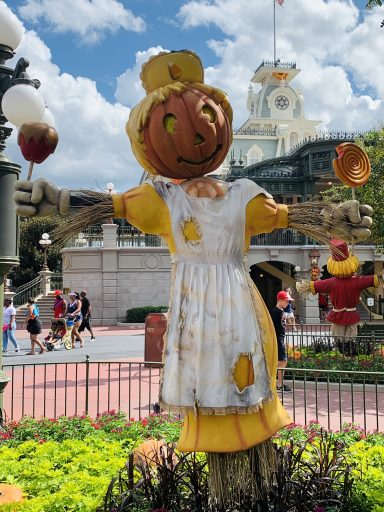 Disney World Tips for First Timers - Mickeys not so spooky halloween