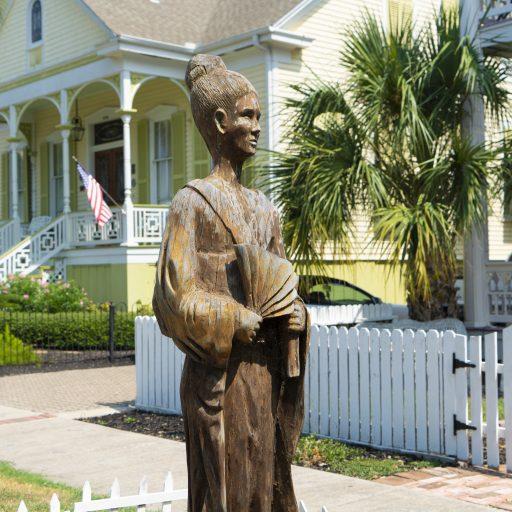 free things to do in Galveston - Tree Sculpture Tour