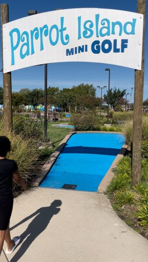 Things to do in Conroe TX - Parrot Island Mini Golf