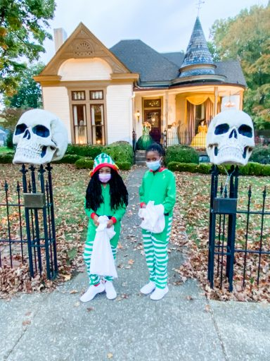 Best Halloween Towns - Franklin Trick or Treating in Downtown Franklin