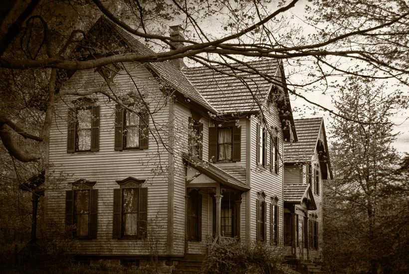Best halloween towns in Texas - Haunted House